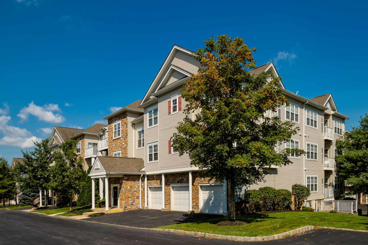 Apartments in Bethlehem, PA with attached garage and driveway
